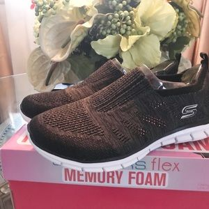 Skechers Flex Memory Foam sneakers
